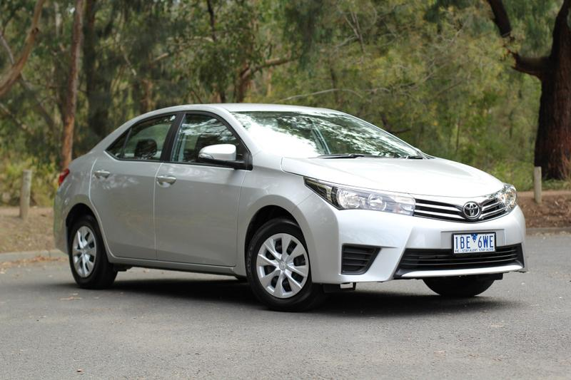 2014 toyota corolla ascent hatch review