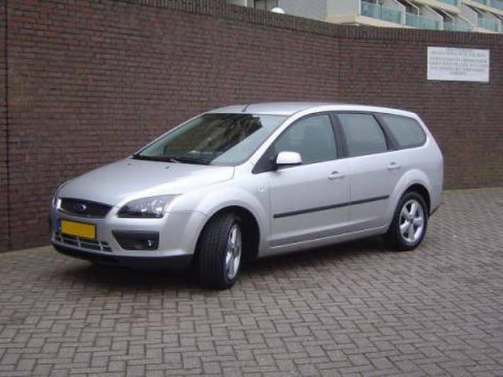 2006 ford focus wagon reviews