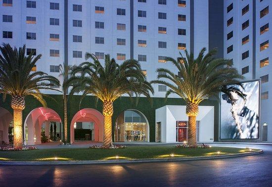 sls hotel las vegas reviews