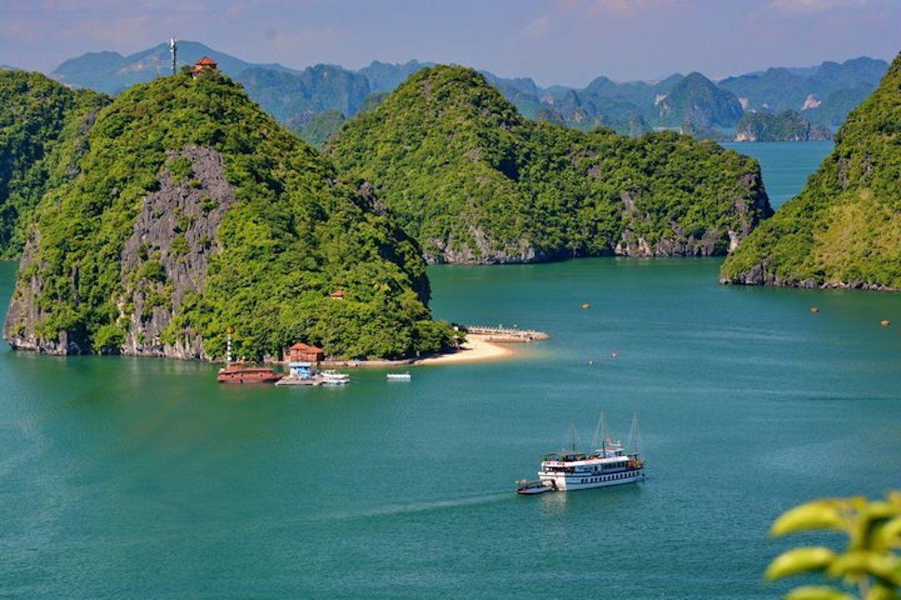 castaway tour halong bay reviews