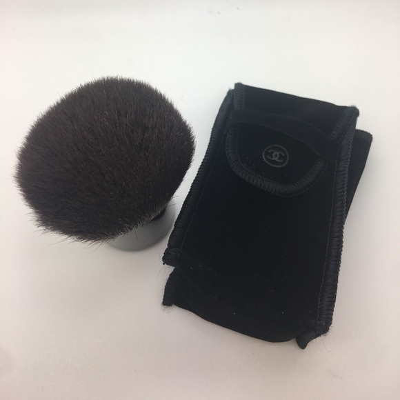 chanel touch up brush review