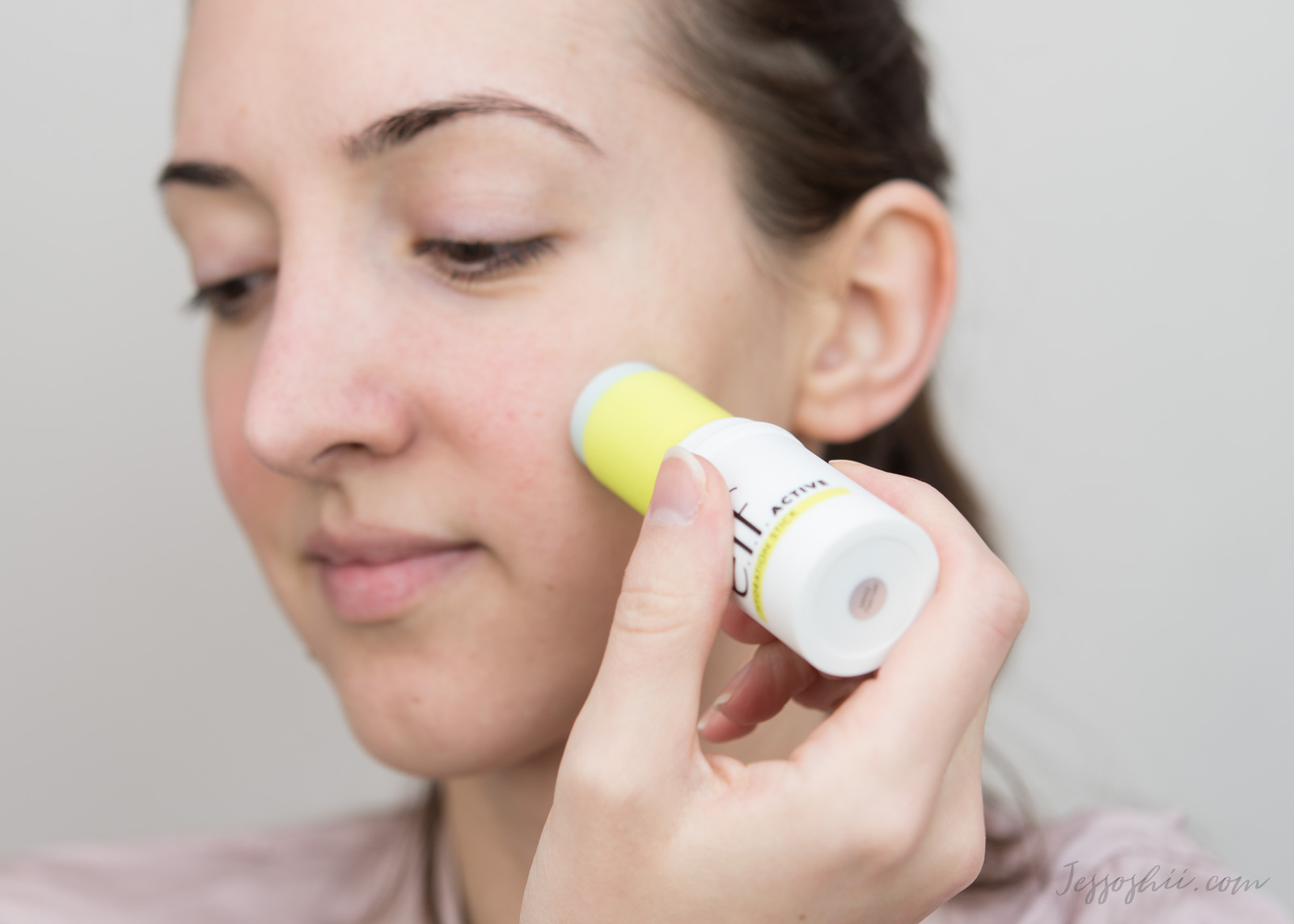 elf active hydration stick review