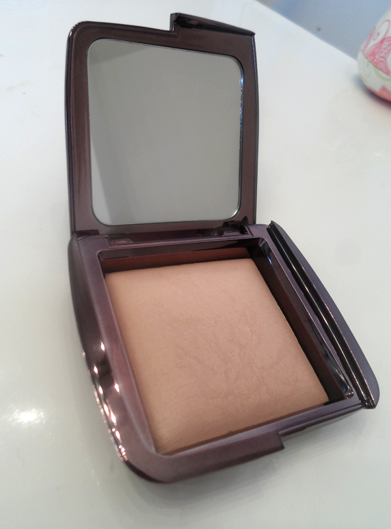 hourglass ambient dim light review